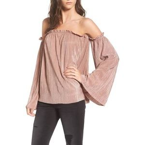 Off the shoulder Mimi Chica top